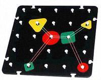 Геометрический планшет (Оксва) - Игра предназначена для развития пространственного и ассоциативного мышления, воображения, умения действовать по заданному образцу. Благодаря данной игре у ребенка появляется возможность конструировать и рисовать с помощью игрового поля с