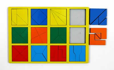 собери квадрат 2 уровень сложности класс стандарт - Планшет размером А4 с 12-ю квадратами, по-разному разделенными на 3, 4 и 5 частей.