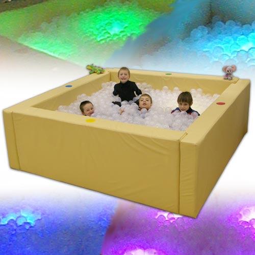 Интерактивный сухой бассейн (2) с подсветкой и переключателями ( - ПОД ЗАКАЗ! Размер: 217 х 217 х 66 см,