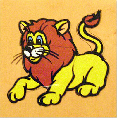 Пазл Львенок дерево ЛЭМ - Деревянный пазл «Лев» предназначен для самых маленьких. Картинка состоит из пяти крупных деревянных элементов. Пазл разрезан очень продуманно – каждая часть соответствует определенной части тела и может быть названа сначала родителем, а потом и ребен