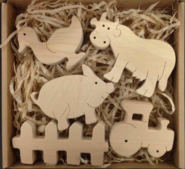 Набор Ферма 1. TreeTone. - размер коробки 20*20 см. коровка, утка, свинка, трактор, забор