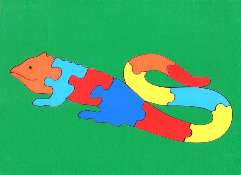 Сложи картинку. Ящерица (ГРАТ) - Пазл для самых маленьких состоит из 10 крупных деталей. Размер планшета: 200 × 145 мм. Материал: оклеенная цв.плёнкой фанера. Вес: 100 г.