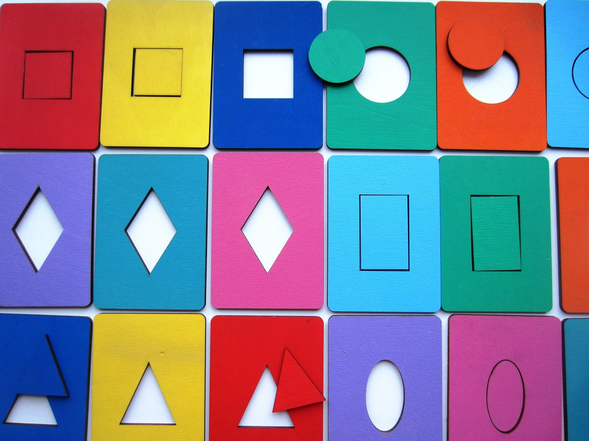 Досочки Сегена (крашеные) - Предлагаем Вашему вниманию игру, по смыслу напоминающую методику известного педагога, но измененную и адаптированную для нашего времени. Упаковка - деревянный пенал