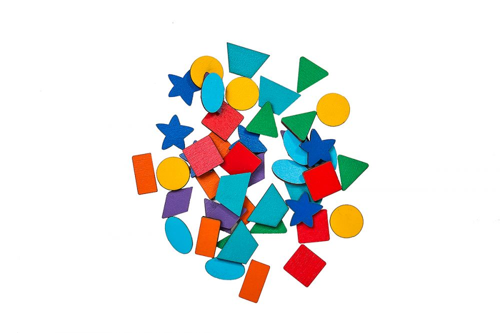 Дополнительный набор деталей к комодику - Материал: фанера Размер фигур: 1,5 см - 3 см В наборе 48 дет.