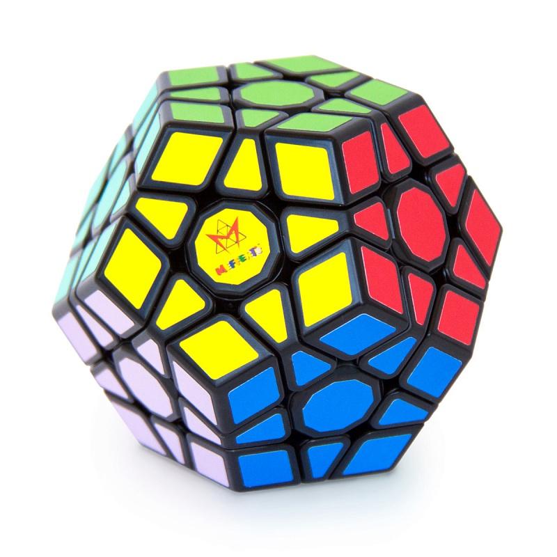 Головоломка MEFFERT'S M5040 Мегаминкс - Оригинальный Мегаминкс от Meffert's — головоломка в форме додекаэдра, которой есть чем удивить: на ее поверхности 62 элемента, из которых 50 подвижных (у обычного кубика Рубика подвижно всего 20 элементов!); у нее 12 цветных сторон в форме пятиугольника,