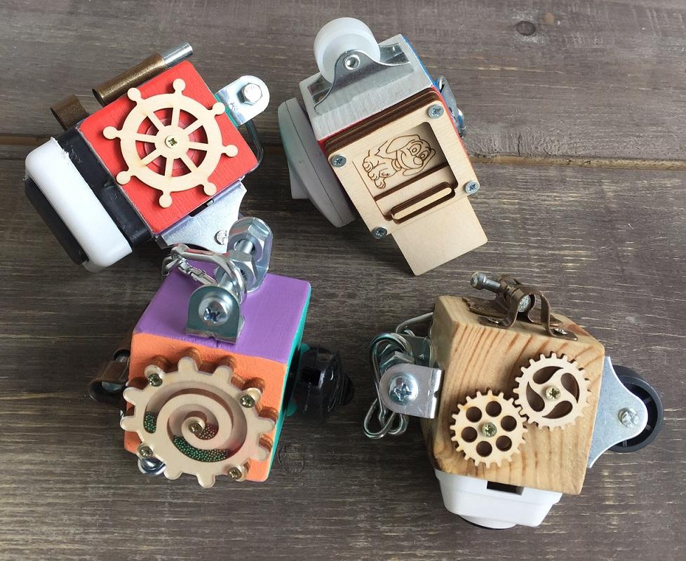 МиниБизикубик в дорогу - Размер кубика:  5см × 5см × 5см в ассортименте.