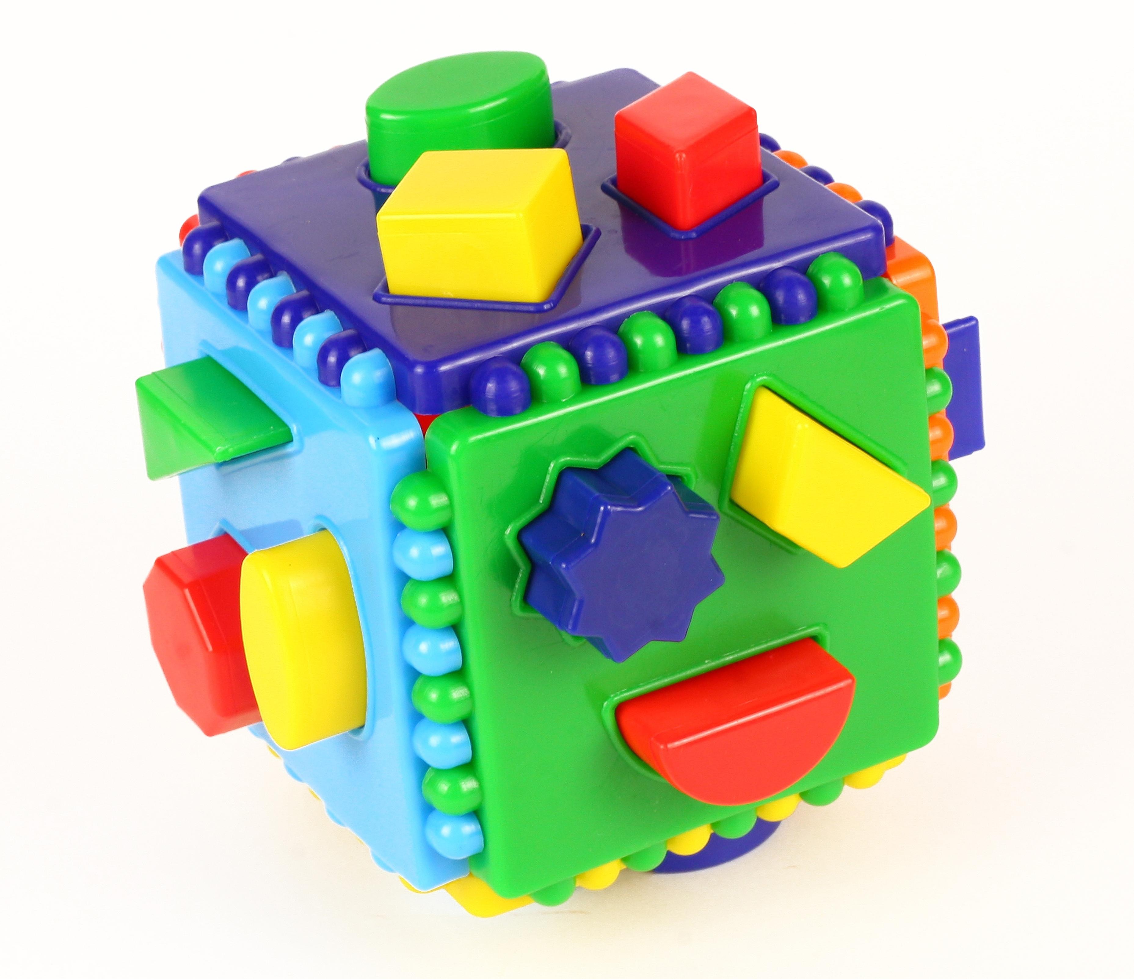 Логический куб со вставными деталями (Построй фигурки) арт.7090 - Необходимо подобрать для каждой фигурки отверстие в грани куба. Если фигурка подобрана правильно, она вставится в отверстие. Всего 18 фигурок. На каждой грани куба по 3 отверстия.