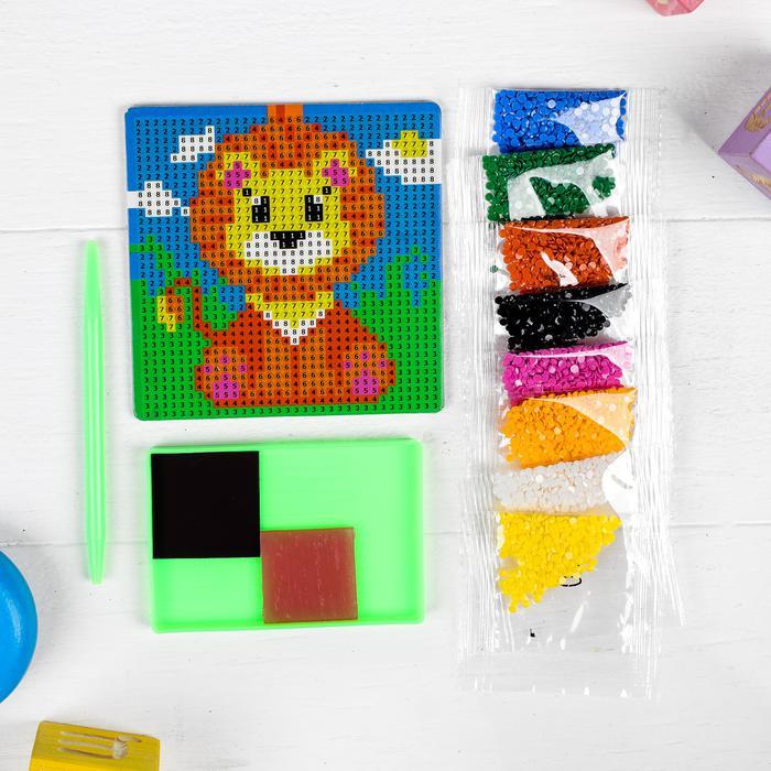 Алмазная мозаика магнит для детей «Львёнок», 18 х 18 см - Создание мозаики поможет ребенку развить мелкую моторику, зрительное восприятие, усидчивость, аккуратность, внимательность и художественный вкус.