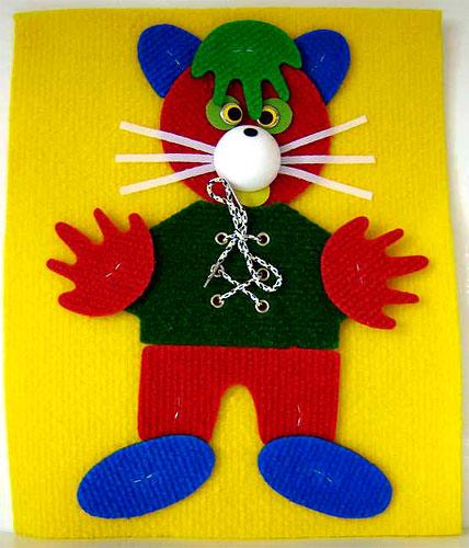 Притворщик плоский - Игрушка выполнена в виде кота, и является мягким плоским конструктором. Способствует развитию фантазии, моторики, творческих способностей ребенка. Из деталей конструктора можно собирать различных существ, людей, зверей. Для детей от 3 лет. Высота: 25
