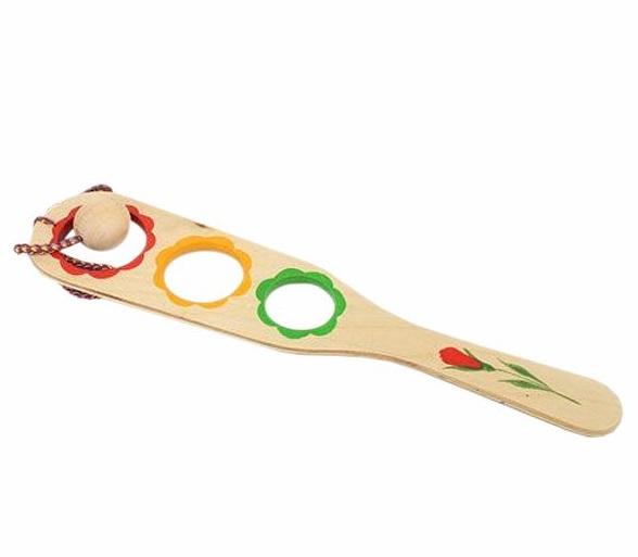 Поймай мяч тройной (расписной) (RNT) - Игроку необходимо попасть шариком в любую дырочку, держа лопатку в руке. Размер: 30х11х1 см.