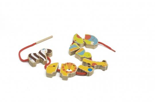 Бусы Сафари - Фигурки достаточно крупные: толщина детали 15 мм, размер самой фигурки от 35 мм и более. Всего в комплекте 10 частей,таким образом ребенок сможет собрать 5 животных