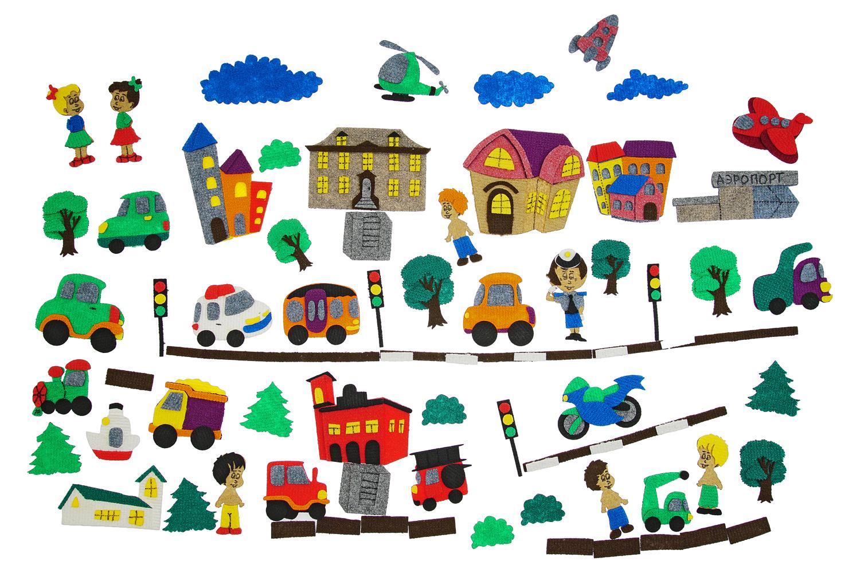 Город с машинками с игровым полем - Транспорт: мотоцикл, самолет, вертолет, яхта, корабль, грузовик, автомобиль, трактор, локомотив, грузовик, машина скорой помощи;Люди: 4 ребенка, полицейский; Элементы природы: 2 облака, 3 дерева; окружающие здания и строения: пожарная станция, 3 домика,