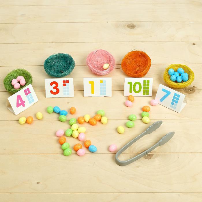 Набор для сортировки «Цветные гнёздышки» - Игра создана для тренировки мелкой моторики и развития мышления! Ребёнок познакомится со многими цветами и цифрами, научится сортировать предметы с помощью пинцета и считать их количество.